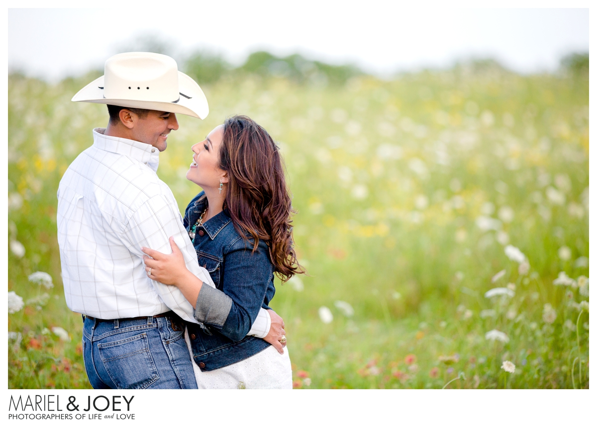 dallas engagement photography, white rock lake engagement session, mariel and joey lifestyle photography